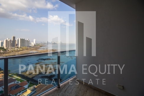 Modern One-bedroom Grand Tower Apartment for Sale10