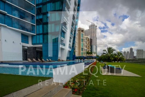 Modern One-bedroom Grand Tower Apartment for Sale12
