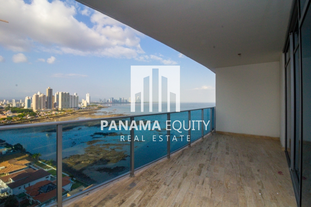 Modern One-bedroom Grand Tower Apartment For Sale!