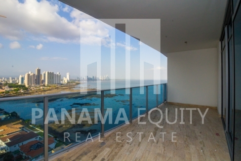 Modern One-bedroom Grand Tower Apartment for Sale8