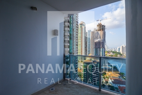 Modern One-bedroom Grand Tower Apartment for Sale9