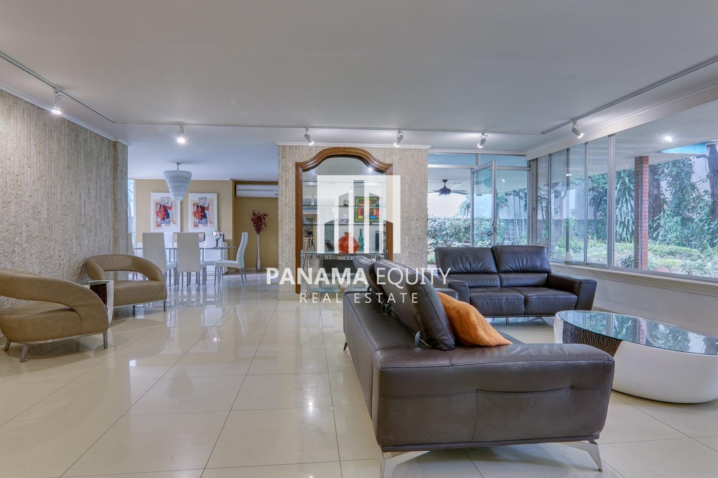 Super Spacious El Cangrejo Apartment for Sale