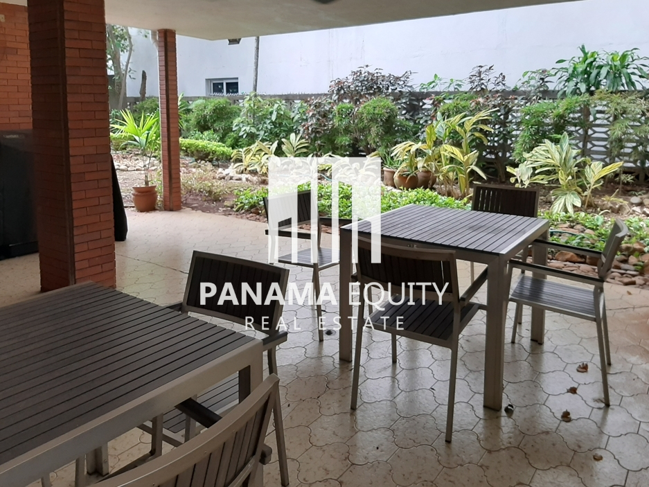Super Spacious El Cangrejo Apartment for Sale