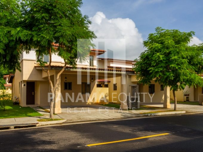 Woodlands Panama Pacifico House for Rent