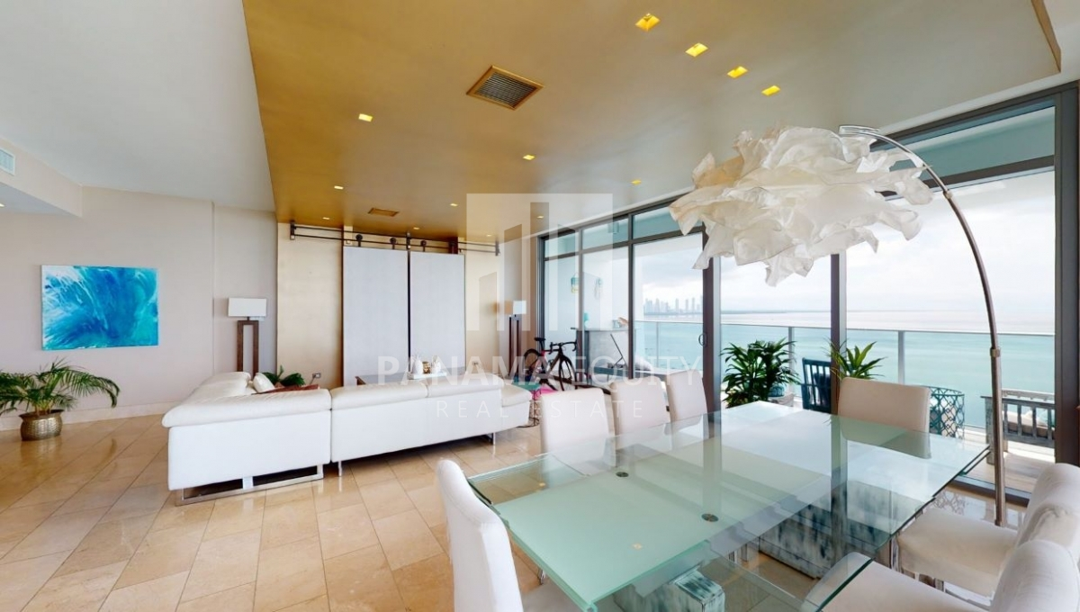 Feature Three-Bedroom Ocean Front Condo for sale in Grand Tower Panama-3
