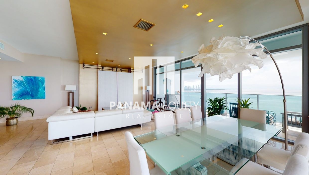 Three-Bedroom Oceanfront Condo for sale in Grand Tower Panama