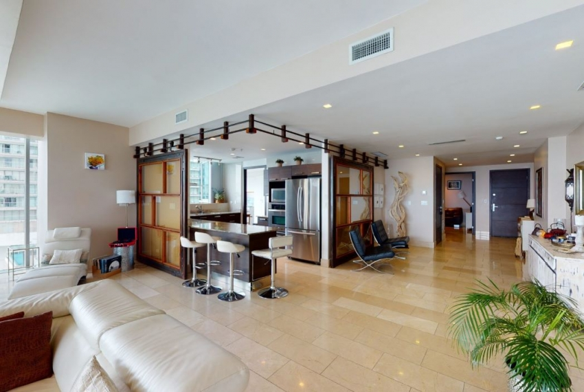 Three-Bedroom Ocean Front Condo for sale in Grand Tower Panama-1