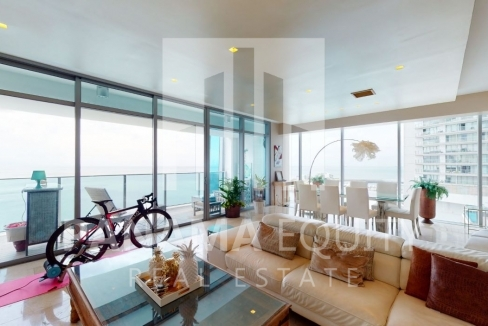 Three-Bedroom Ocean Front Condo for sale in Grand Tower Panama-5