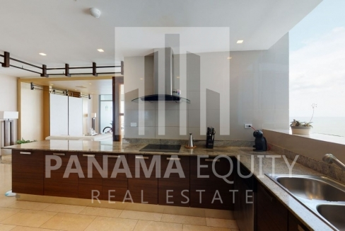 Three-Bedroom Ocean Front Condo for sale in Grand Tower Panama-7
