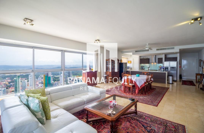 Luxurious Yoo Tower Panama Penthouse For Sale