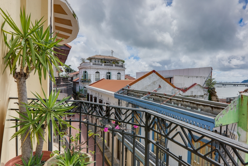 Casa Art Deco Casco Viejo Panama Apartment for rent-006