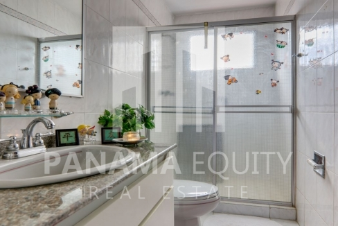 Three-Bedroom Apartment for sale in Country Park San Francisco_11