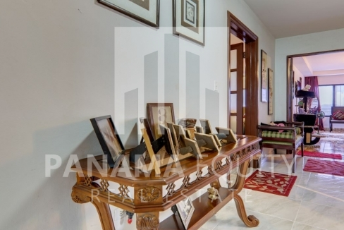 Three-Bedroom Apartment for sale in Country Park San Francisco_12