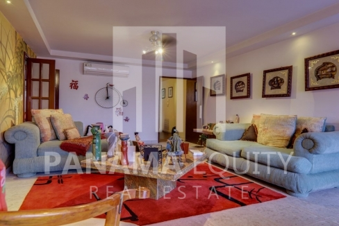 Three-Bedroom Apartment for sale in Country Park San Francisco_4