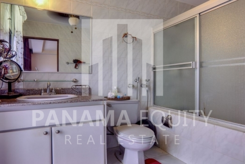 Three-Bedroom Apartment for sale in Country Park San Francisco_7