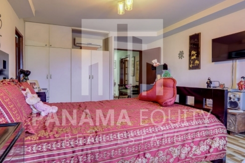 Three-Bedroom Apartment for sale in Country Park San Francisco_8