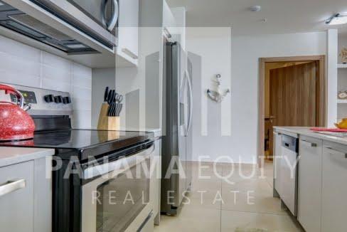 royal_palm_gorgona_panama_apartment_for_sale_kitchen_1