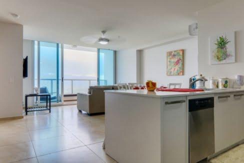 royal_palm_gorgona_panama_apartment_for_sale_kitchen_living_room