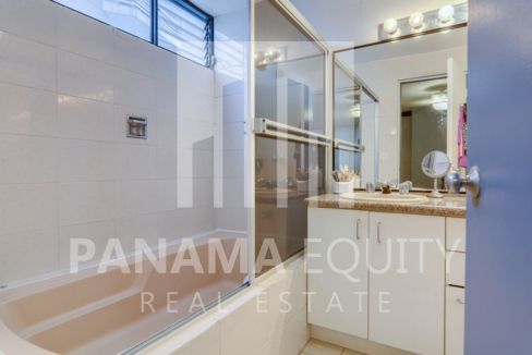 Three-Bedroom Apartment for sale in Mar de Plata Paitilla_23