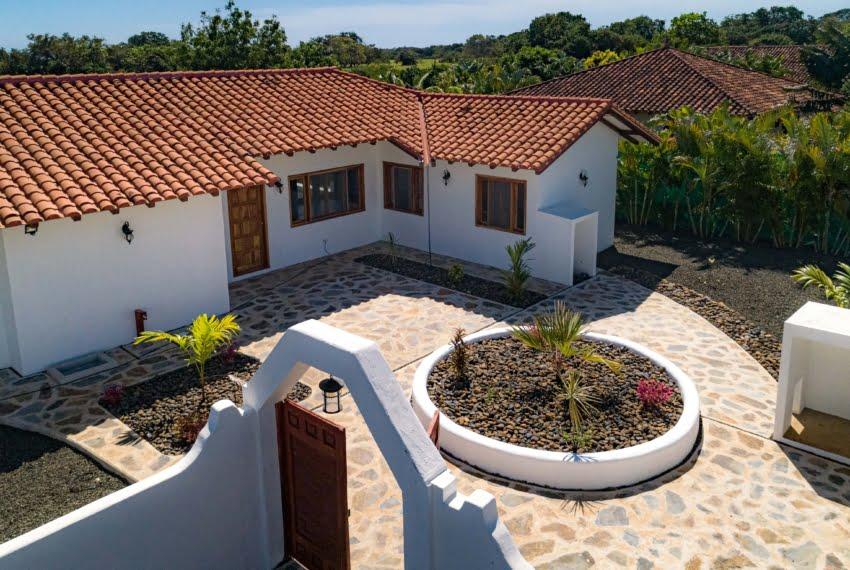 Botique subdivision close to beach (18 of 22)