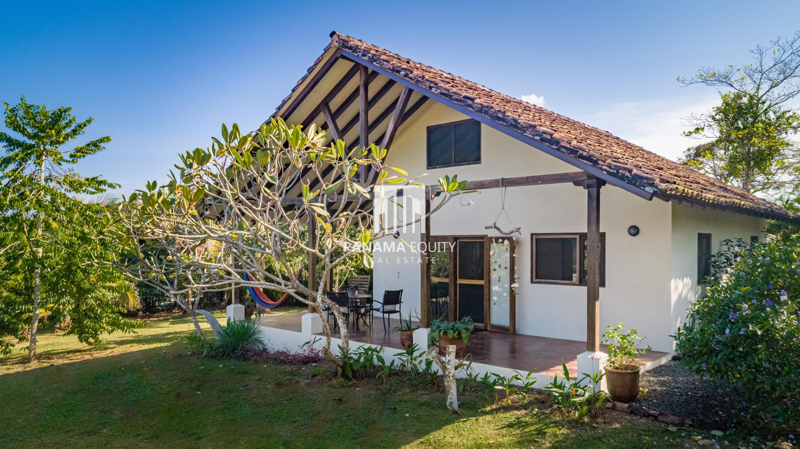 Country Cottage For Sale in Pedasi