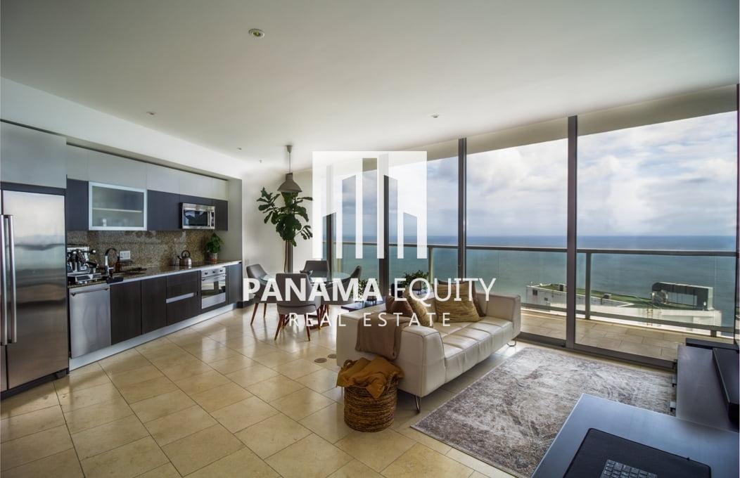 Vistas de 180° desde el piso 61 del JW Marriott Panamá
