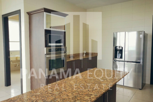 Fully Furnished Ocean One Apartment for Rent in Costa del Este (10)