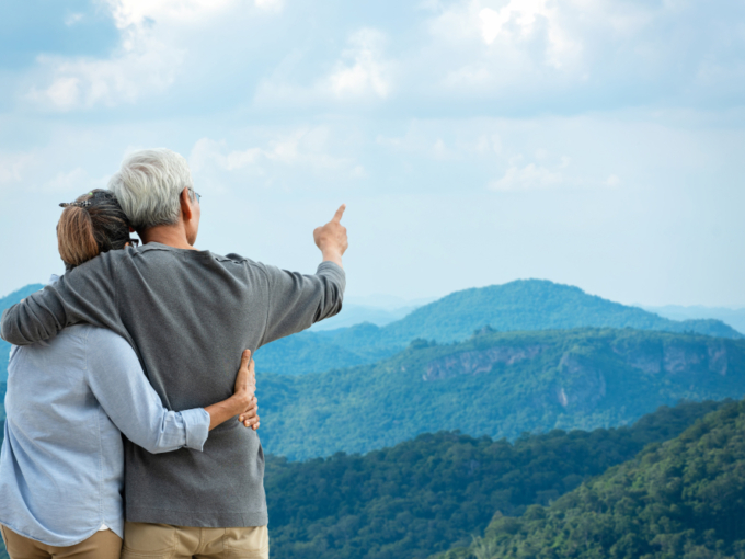 Asian,Lifestyle,Senior,Couple,Hug,And,Pointing,The,Mountain,Nature.