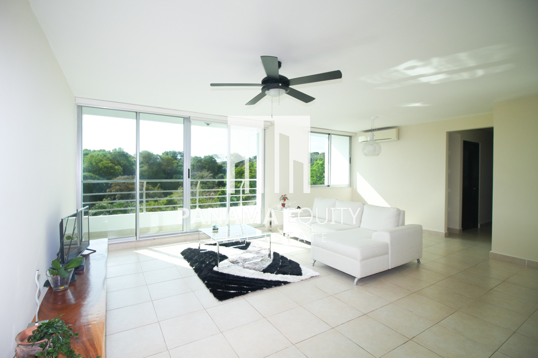 Peace, Quiet, and Amenities in this Clayton Park Panama Apartment For Sale