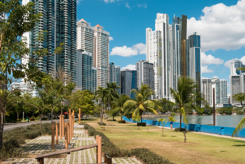Public,Park,And,Skyline,At,Coast,Promenade,In,Panama,City