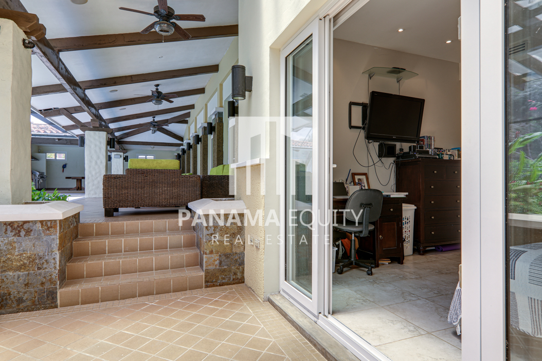 tucan panama house for sale21