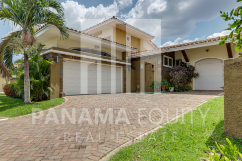 tucan panama house for sale40