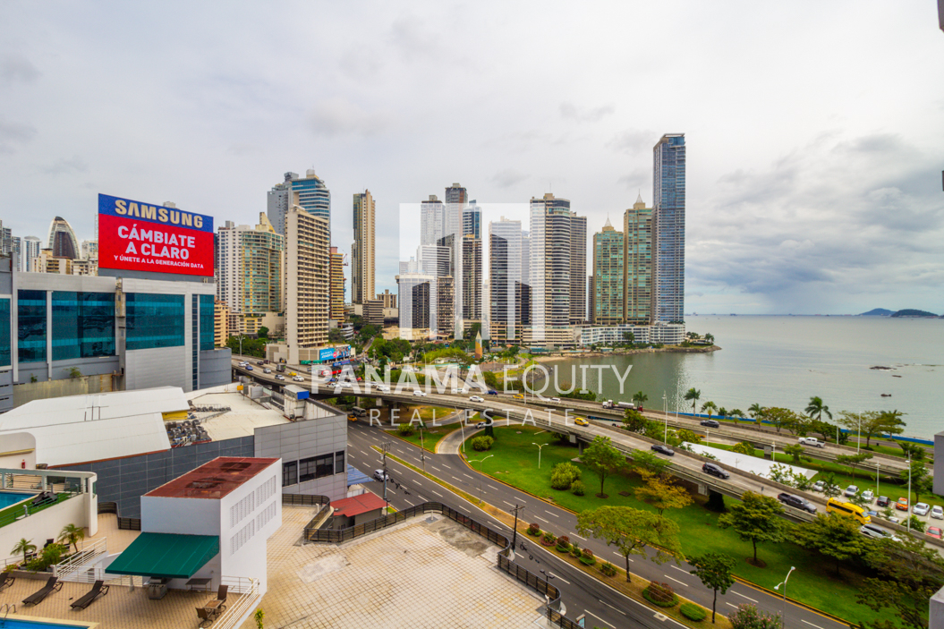 Grand Bay Avenida Balboa Panama for Rent-008