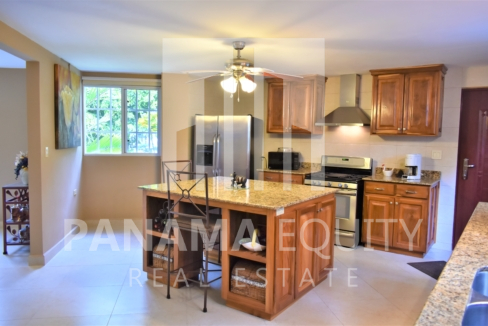 Mountain home for sale in El Valle Panama