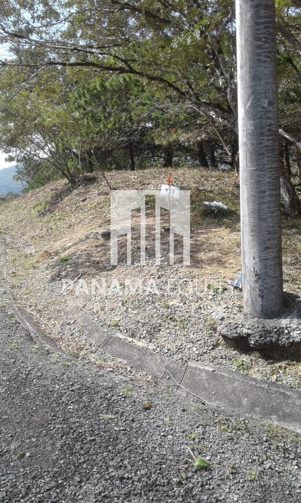 Mountain Home Lot For Sale In Altos del Maria Panama