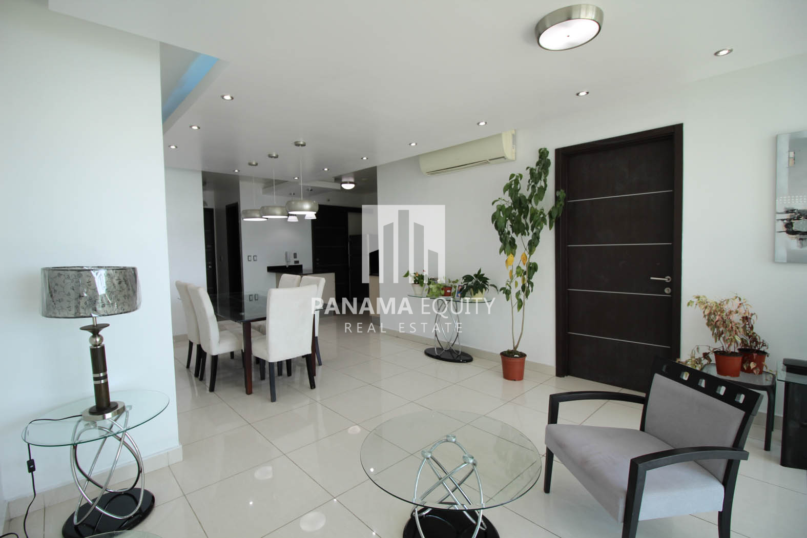 Top One Bedroom Furnished Apartment for Rent in Allure Avenida Balboa