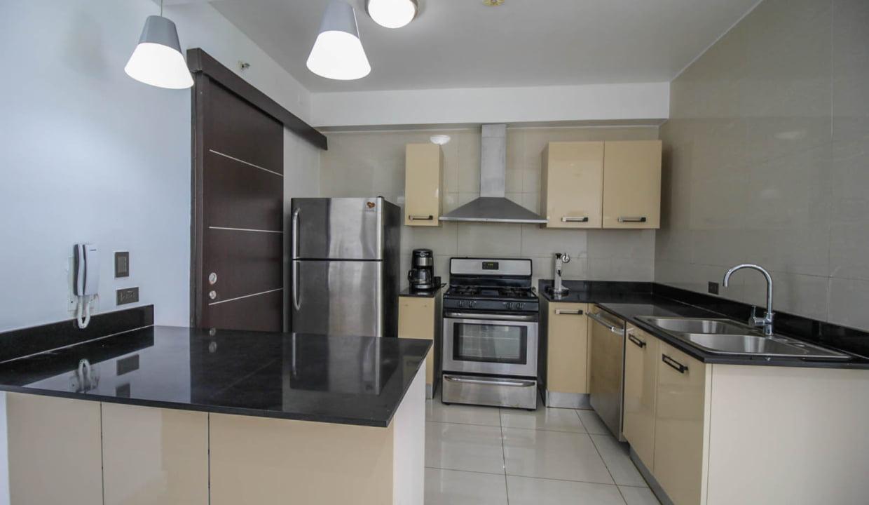 Allure Avenida Balboa Panama Apartment for Rent-004