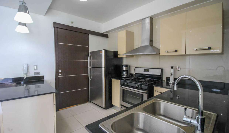 Allure Avenida Balboa Panama Apartment for Rent-005