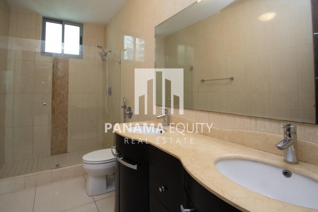 Allure Avenida Balboa Panama Apartment for Rent-008