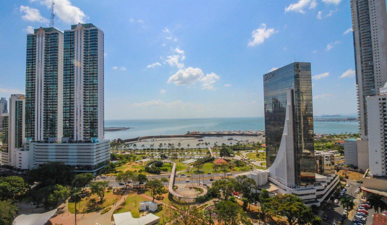 Allure Avenida Balboa Panama Apartment for Rent-010