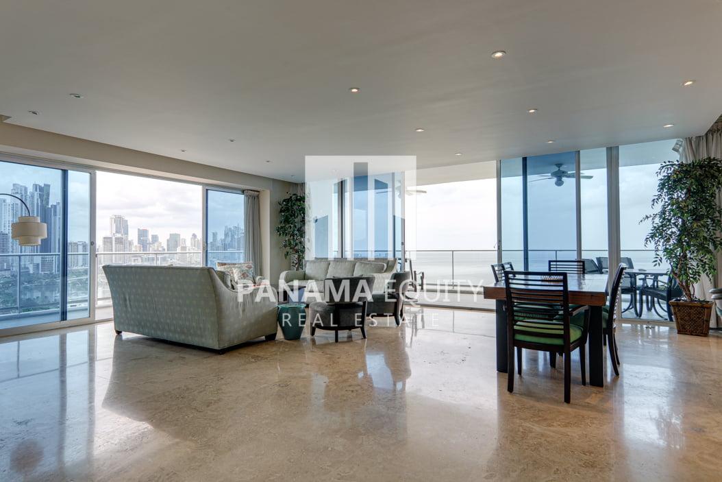 Furnished Three-Bedroom Apartment for Rent in Destiny Avenida Balboa