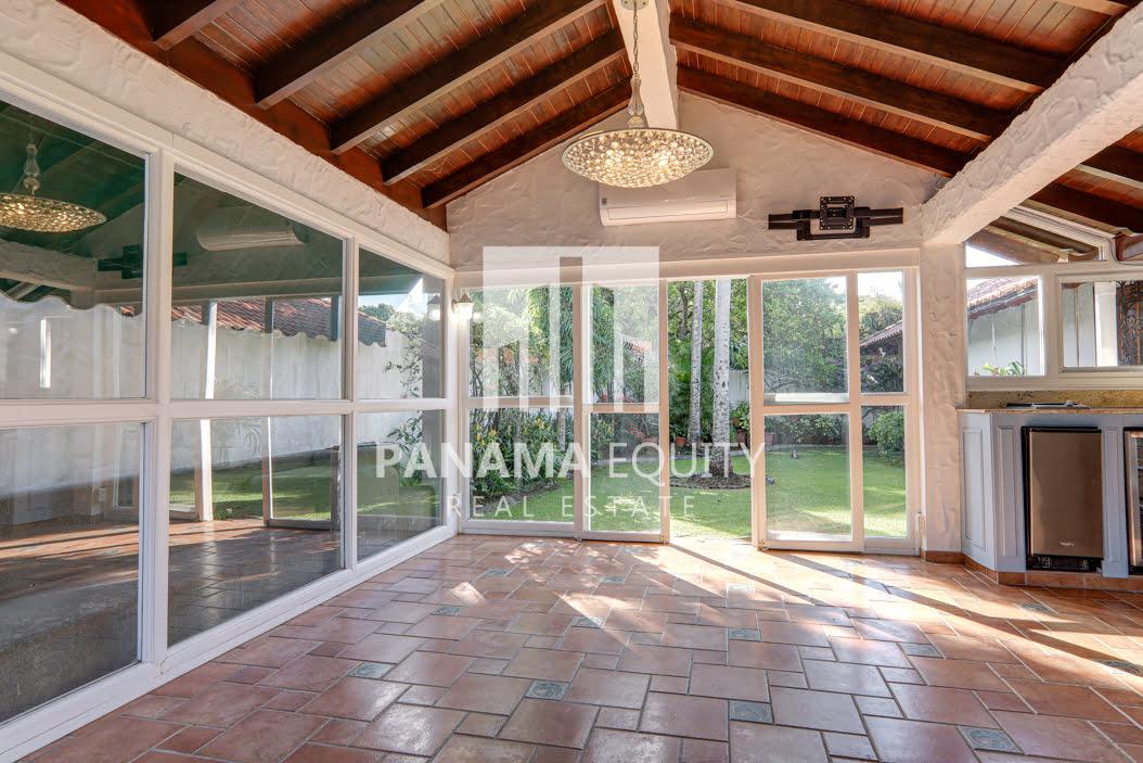 Mediterranean-Style Villa for sale in Altos del Golf  (1)