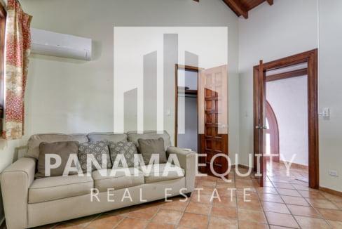 Mediterranean-Style Villa for sale in Altos del Golf  (15)