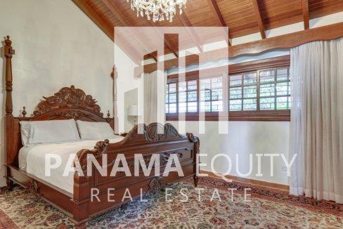 Mediterranean-Style Villa for sale in Altos del Golf  (16)
