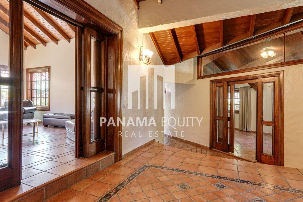 Mediterranean-Style Villa for sale in Altos del Golf  (19)