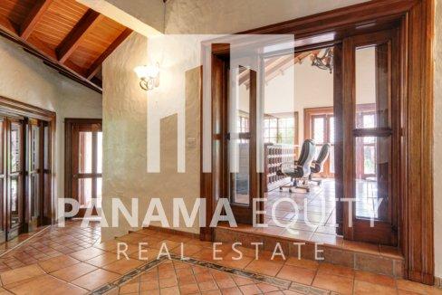 Mediterranean-Style Villa for sale in Altos del Golf  (20)