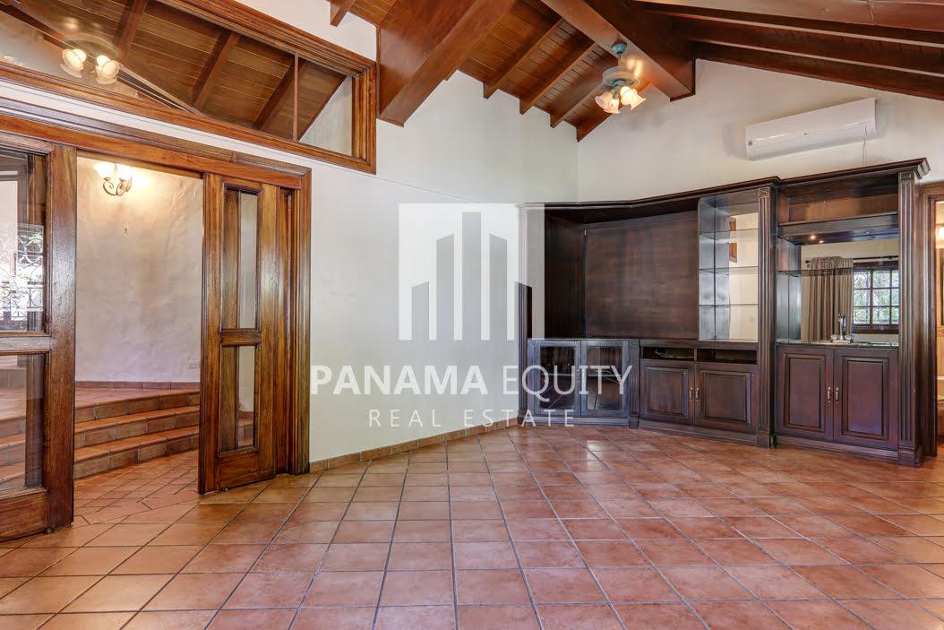 Mediterranean-Style Villa for sale in Altos del Golf  (25)