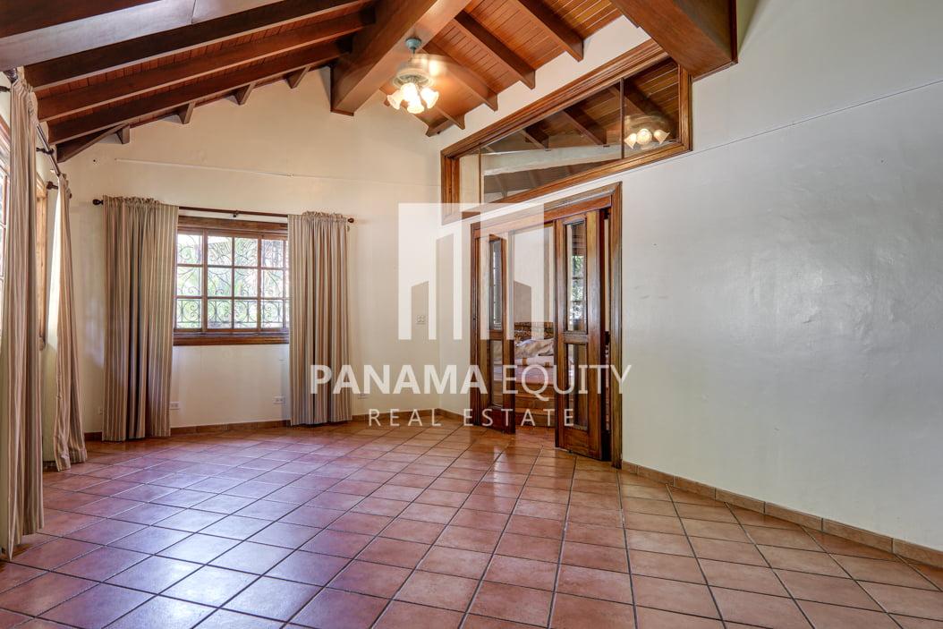 Mediterranean-Style Villa for sale in Altos del Golf  (26)