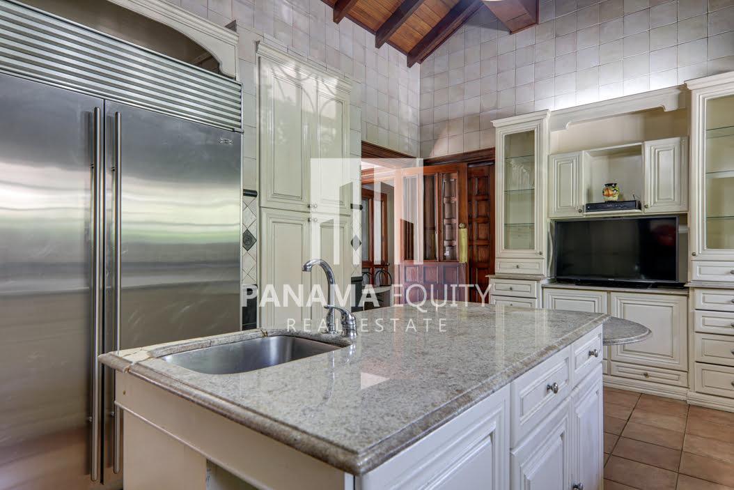 Mediterranean-Style Villa for sale in Altos del Golf  (28)