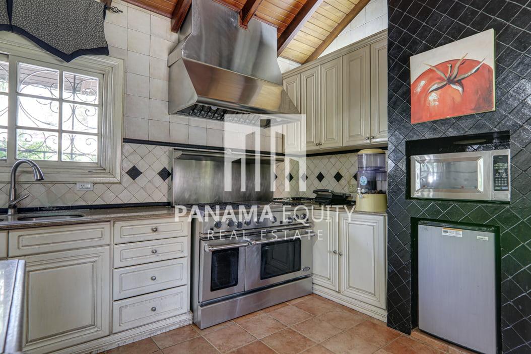 Mediterranean-Style Villa for sale in Altos del Golf  (29)